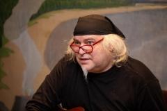 """ŠLIPAS ,,Laiškai iš praeities"""" paroda ir muzikinis performansas. Menininkas Artūras Šlipavičius-ŠLIPAS"""