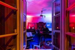 """Kultūros naktis 2019. Muzikinė meditacija """"Ataidantys Druskininkų peizažai"""". Pianistas Rokas Zubovas ir elektroninės muzikos kompozitorius  Phil Von"""