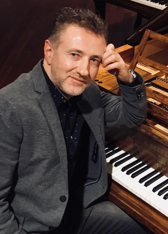 """Projektas """"Čiurlionio dialogai"""" sugrįžta – pianisto Mariusz Drzewicki koncertai Vilniuje ir Druskininkuose"""